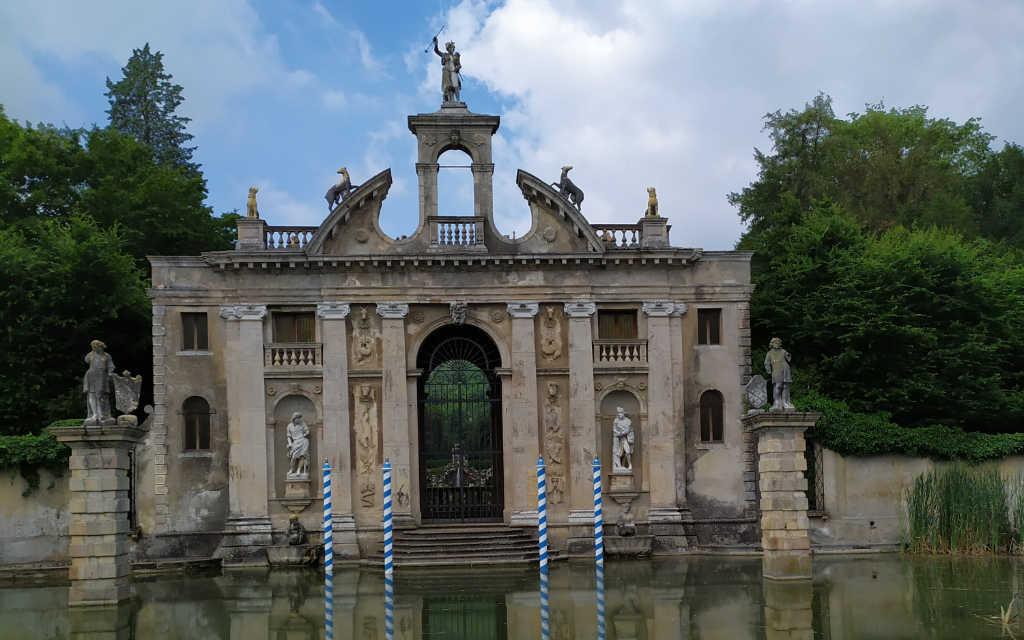 Entrata del giardino di Villa Barbarigo a Valsanzibio